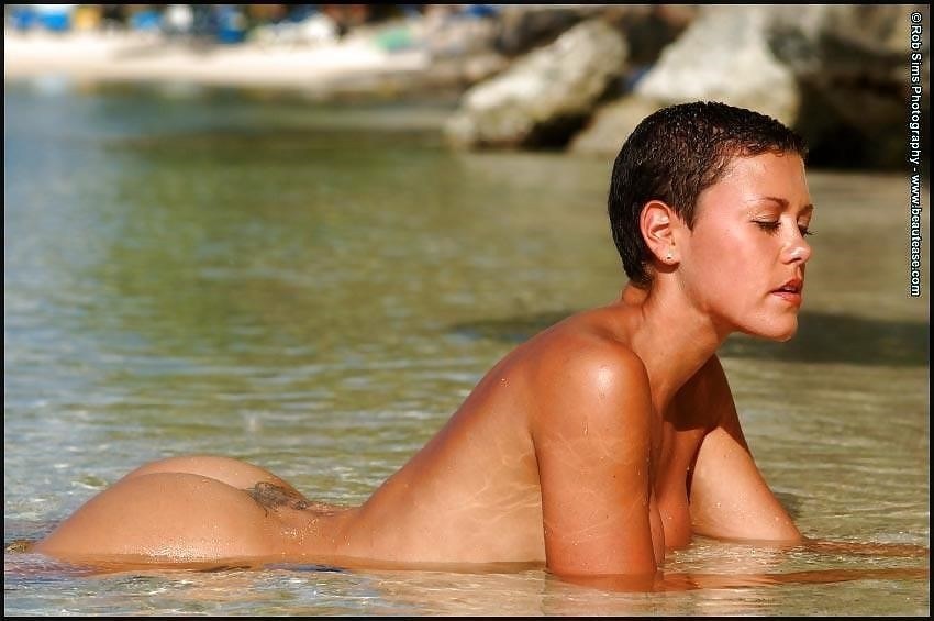 Beautiful fit naked women-2931