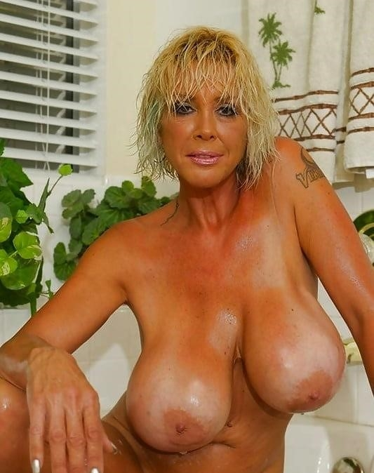 Porn big nice tits-1970