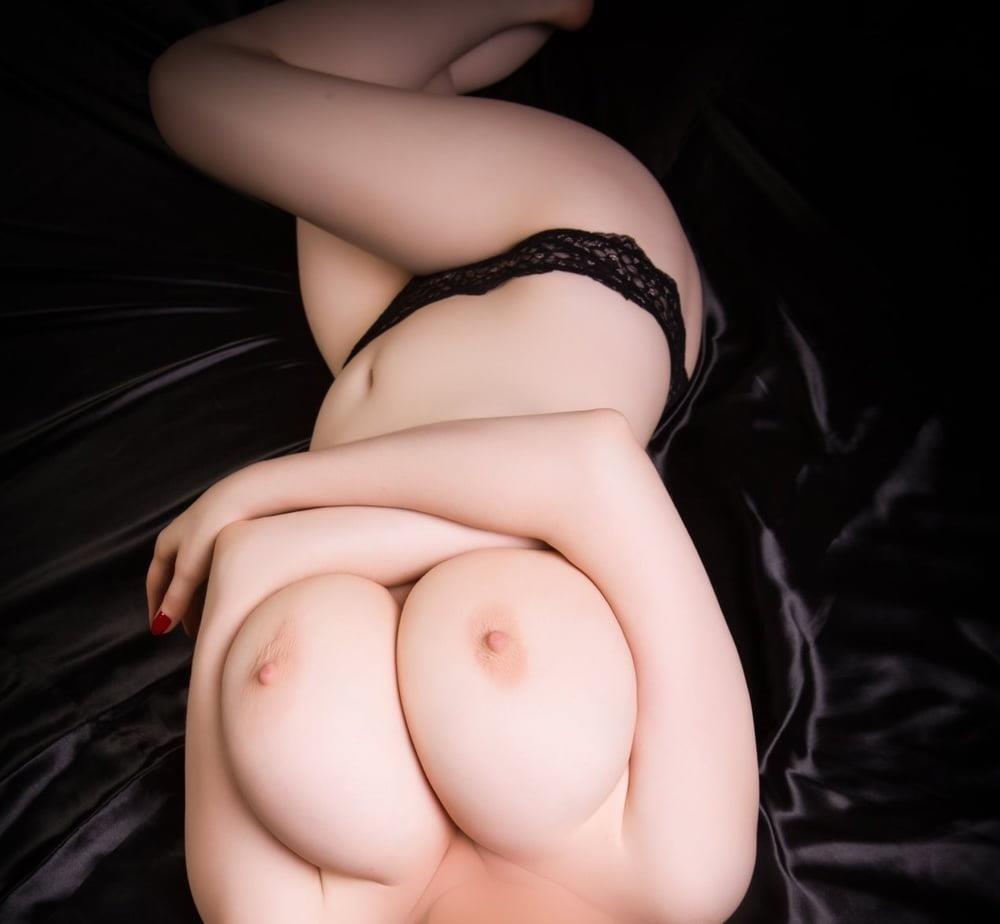 Big natural tits bikini-9668
