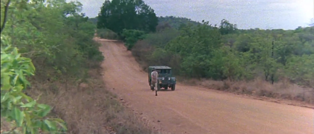 Los Dioses Deben Estar Locos 720p Lat-Cast-Ing[Comedia](1980)