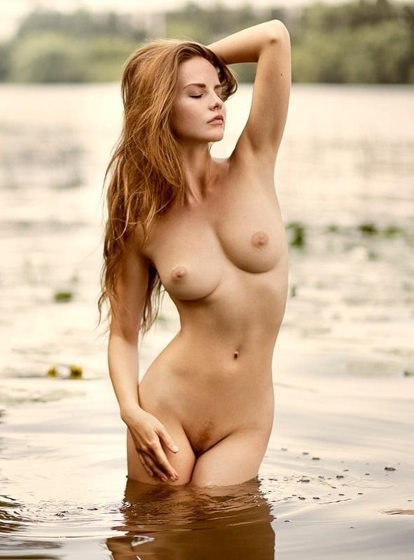 Nude girls with pretty feet-6231