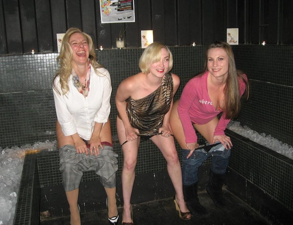 Black girl peeing in public-6281