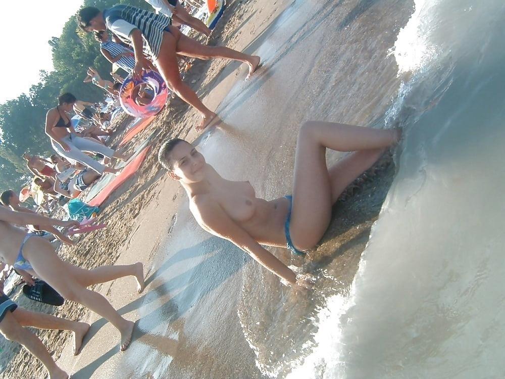 Topless beach teen girls-7474