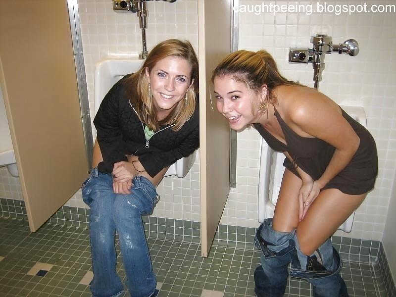 Men having sex in public toilets-7088