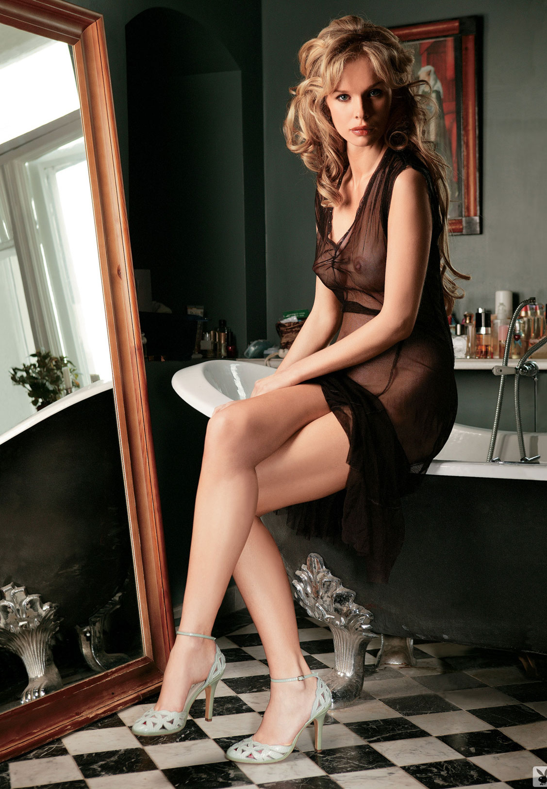 Девушка месяца Ольга Курбатова, Playboy Россия март 2005 / фото 03