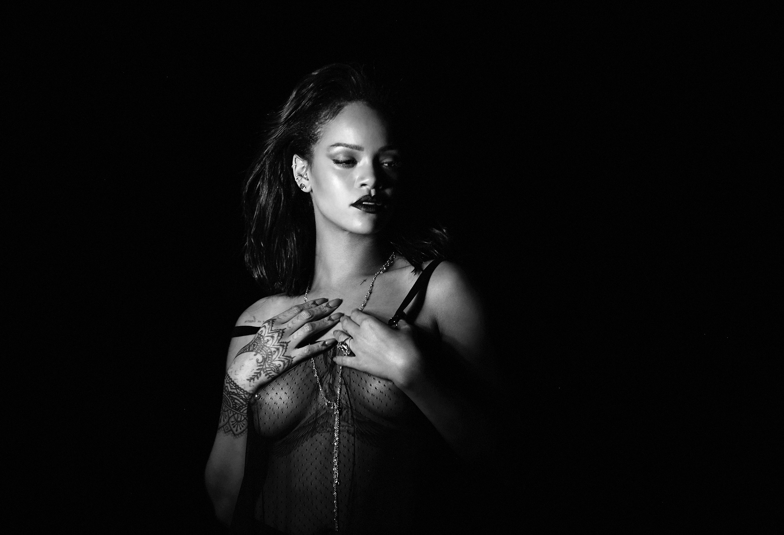 Kiss It Better / Rihanna by Dennis Leupold