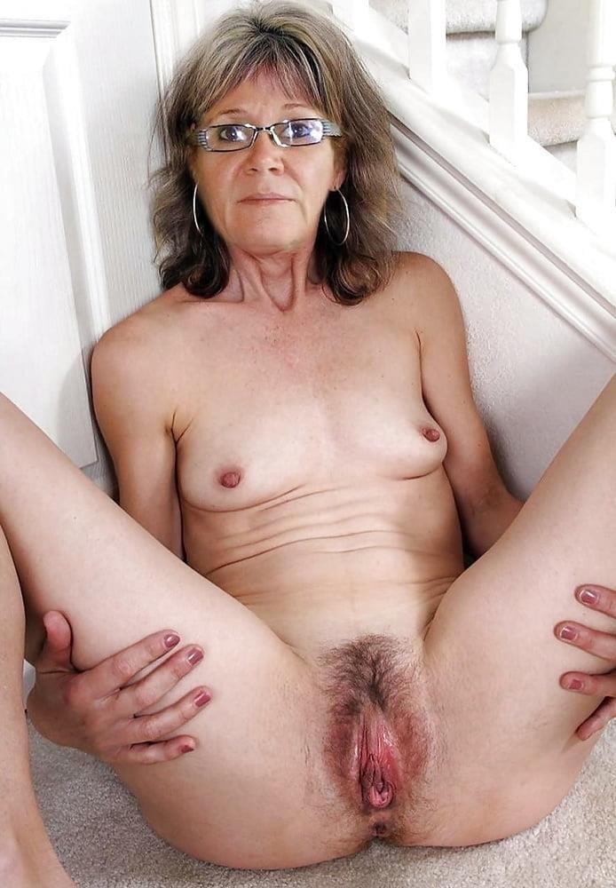 Naked granny porn-4842