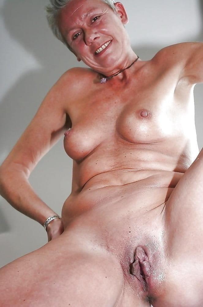 Naked granny porn-3397