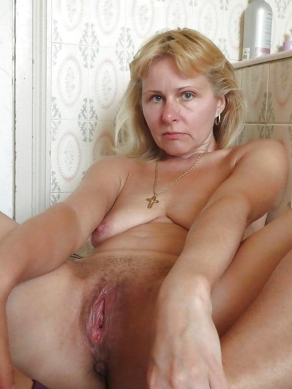 Free pics naked mature women-2152