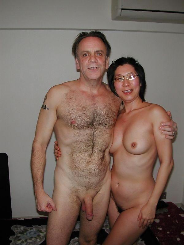 Mature couples copulating-1048