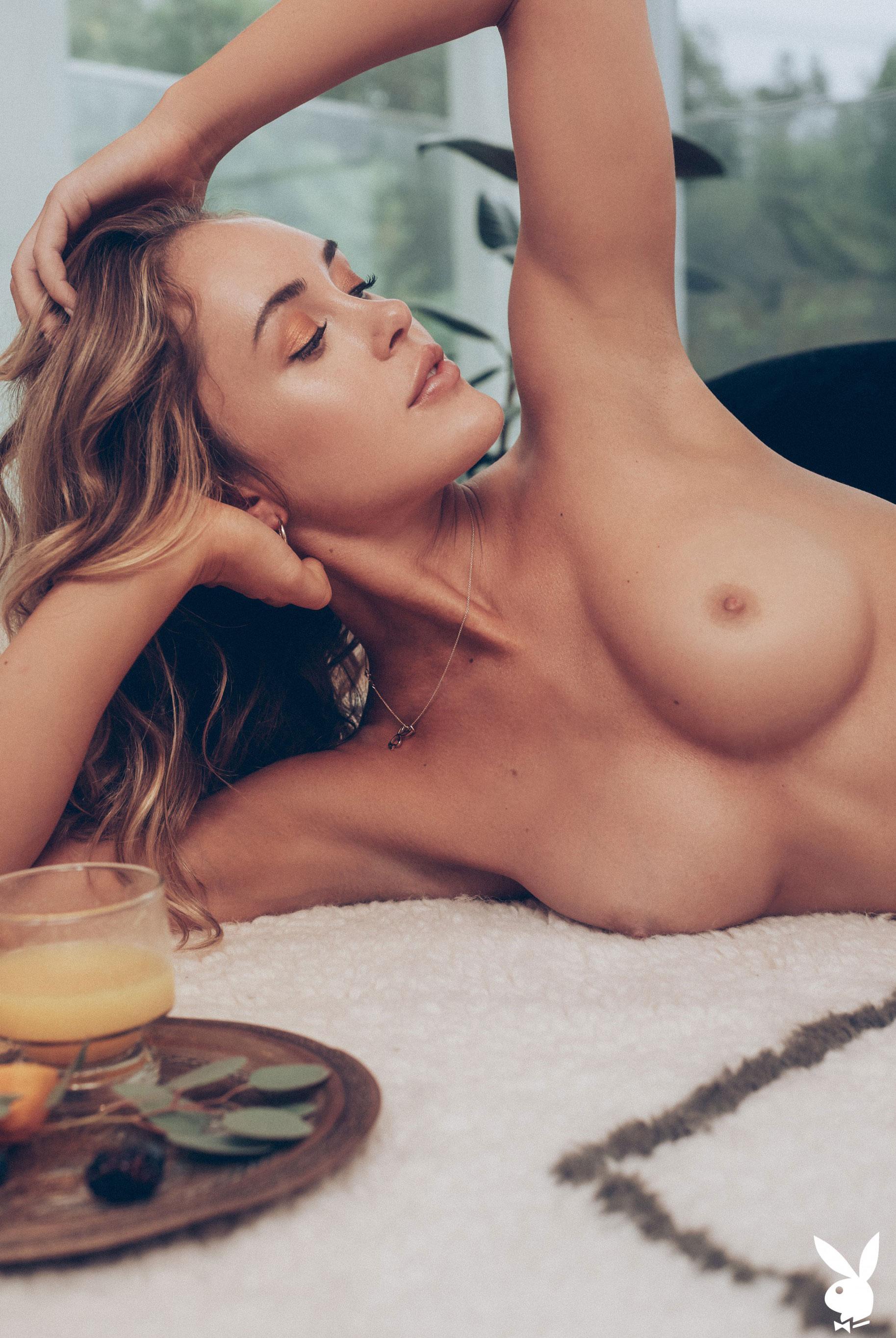 Девушка месяца Эбигейл О'Нил - Playboy США, май 2019 / фото 15