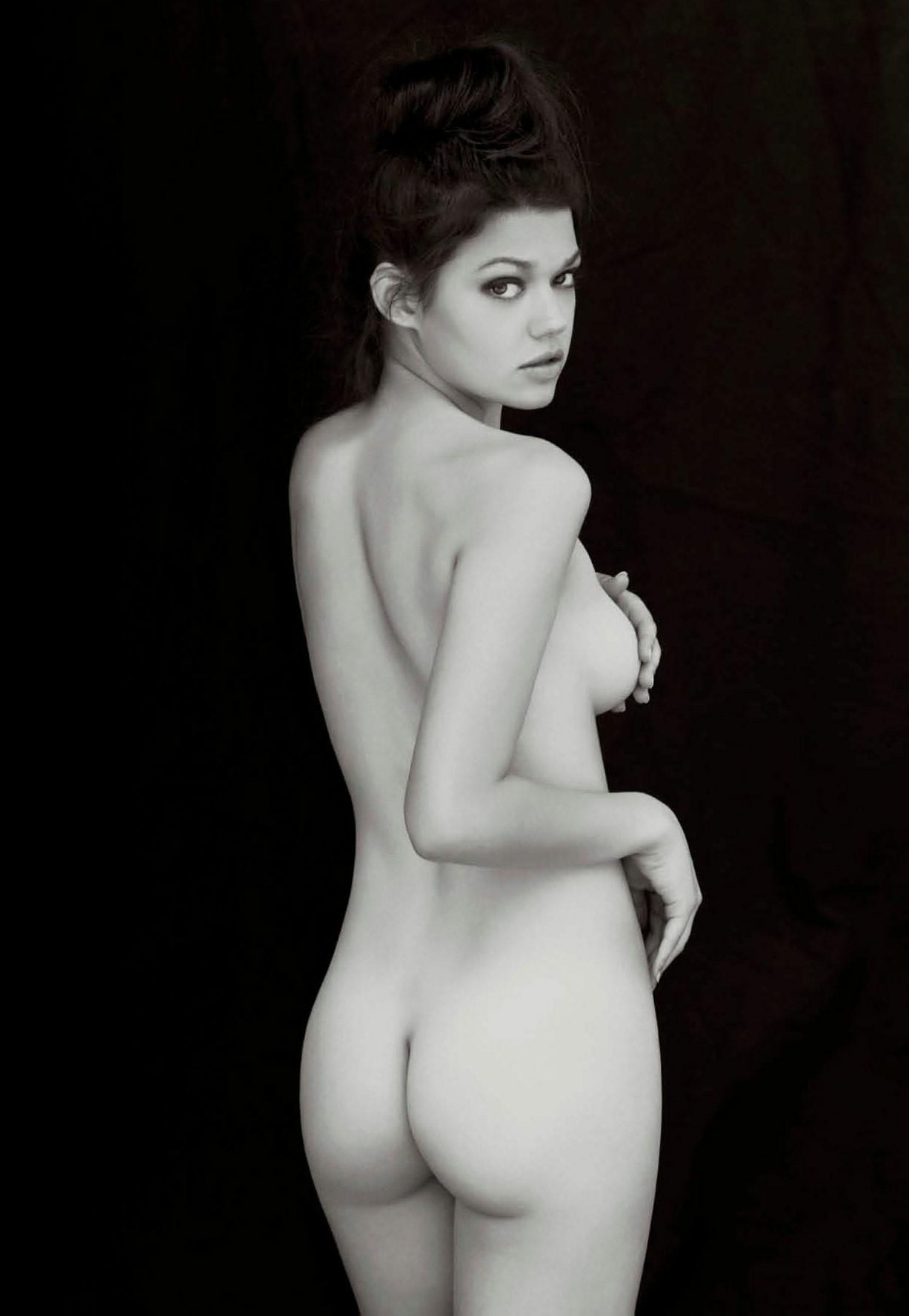 Eye of Wisdom / Jascha Fehrle nude by David Lipman - Maxim US september 2017