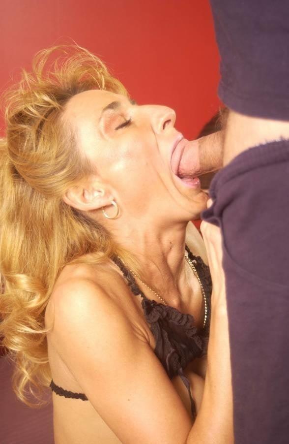 Naked milf blow job-1537