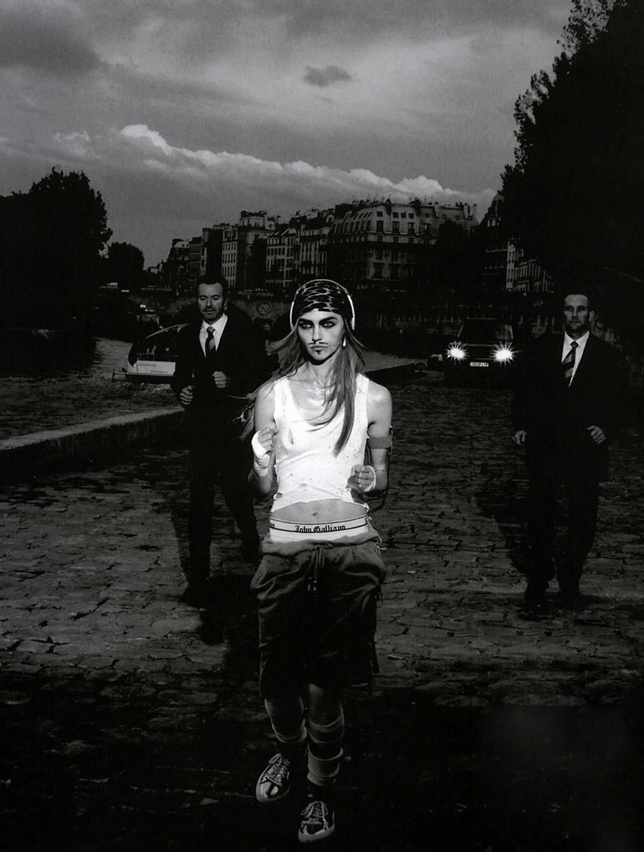 В шкуре Джона Гальяно / Саша Пивоварова, фотограф Питер Линдберг / фото 05