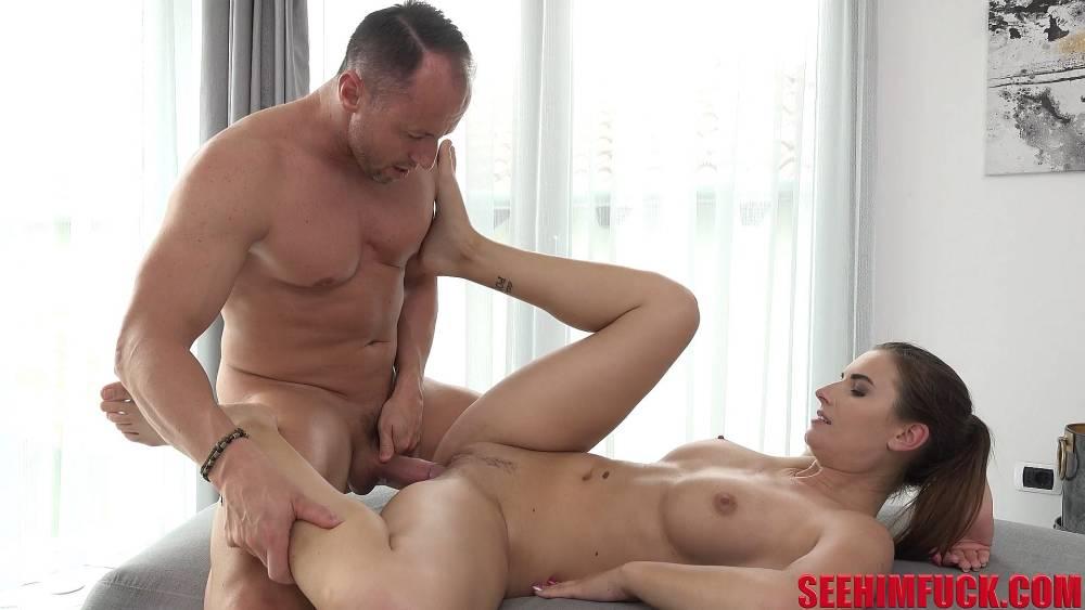 Jenifer Jane, Ridge Crix – Czech DILF Enjoys Ass Play – See Him Fuck