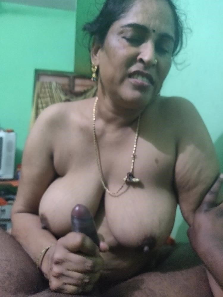 Reshma aunty nude-6708