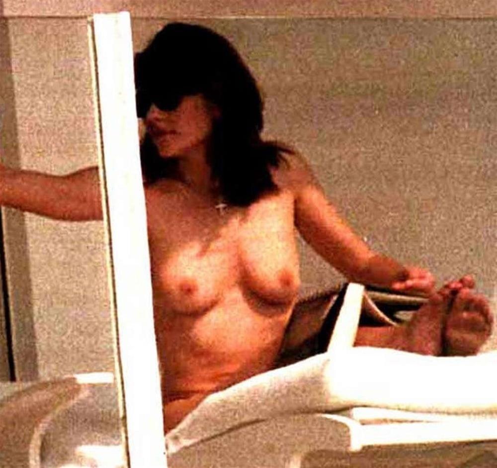 Elizabeth hurley nude pictures-3192