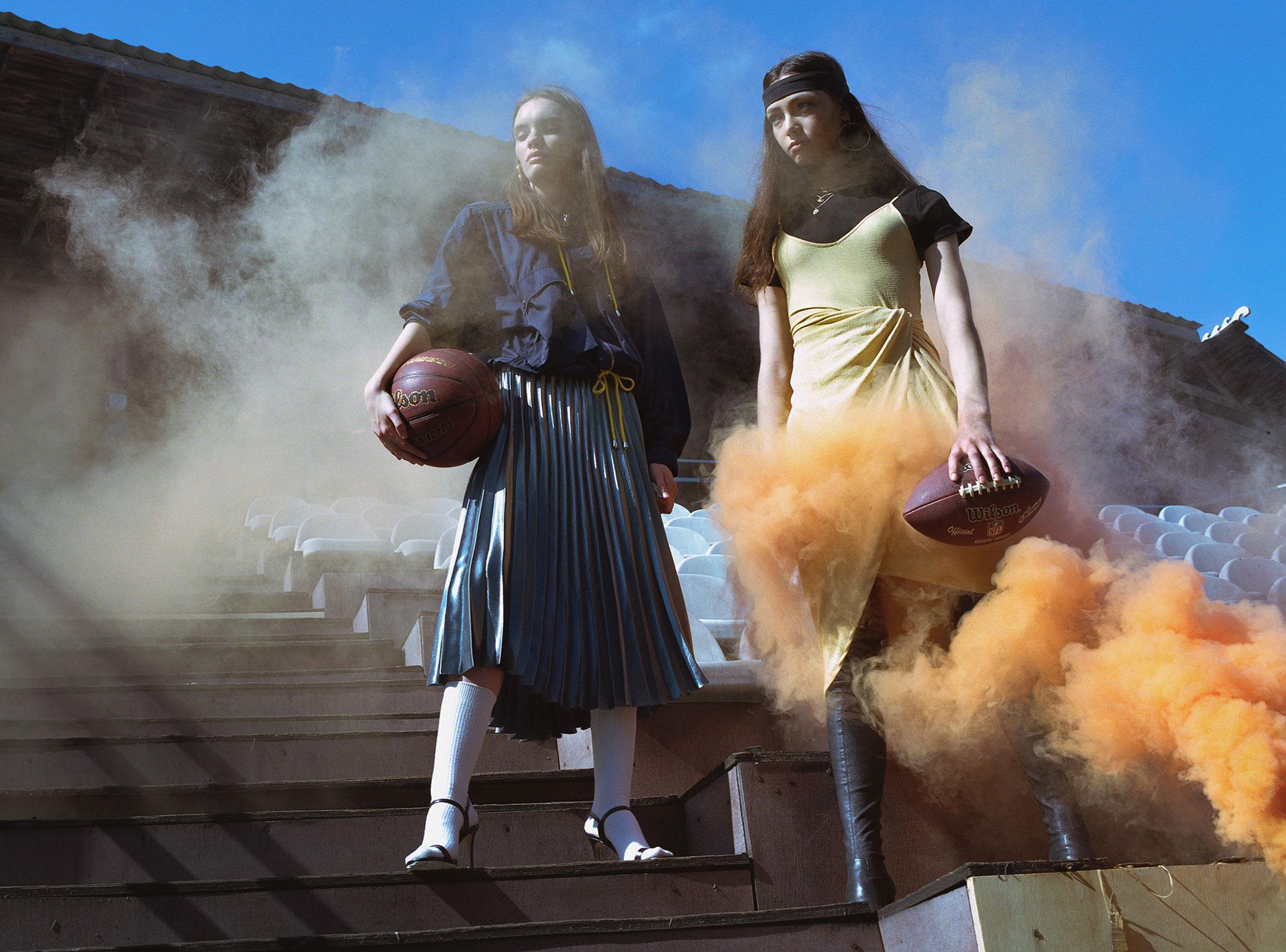 Красивые девушки и баскетбол, бейсбол и американский футбол / фото 01