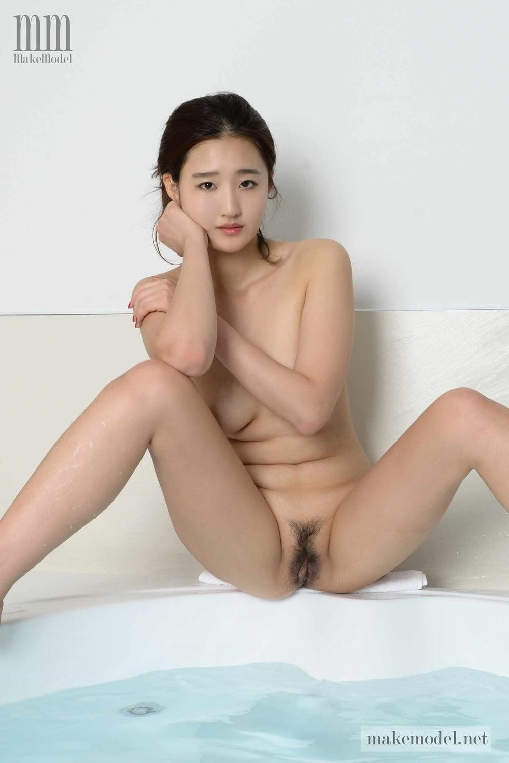 Korean men nude-8436