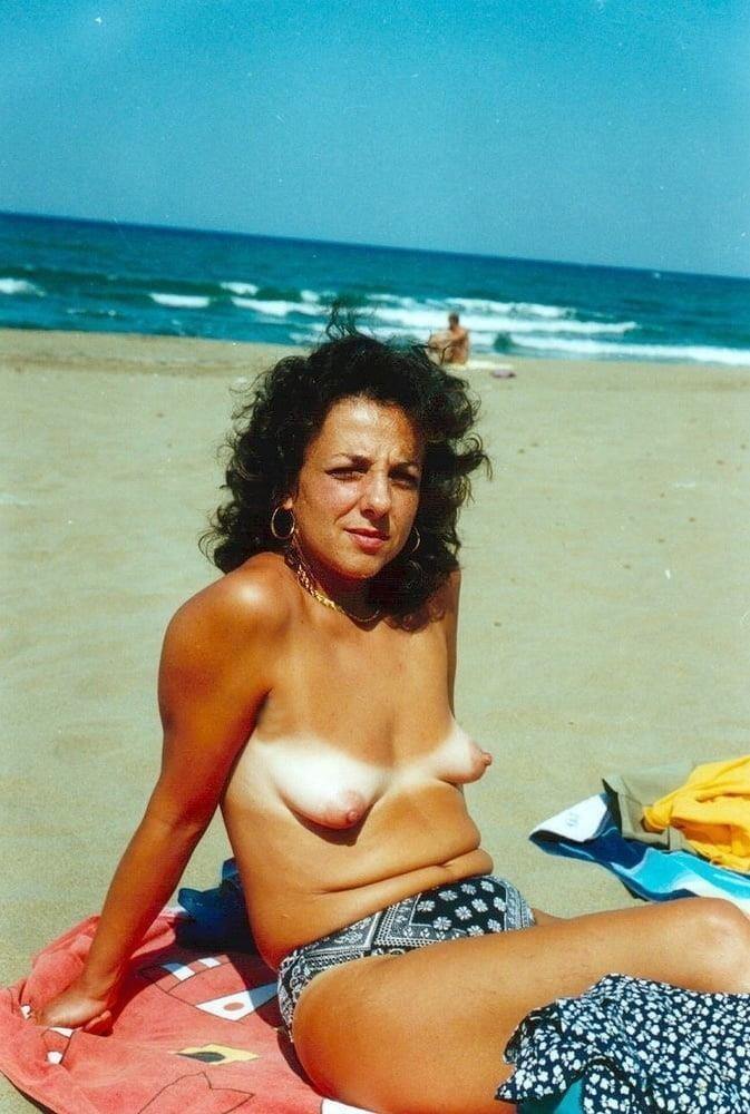 Public beach swinger-9980