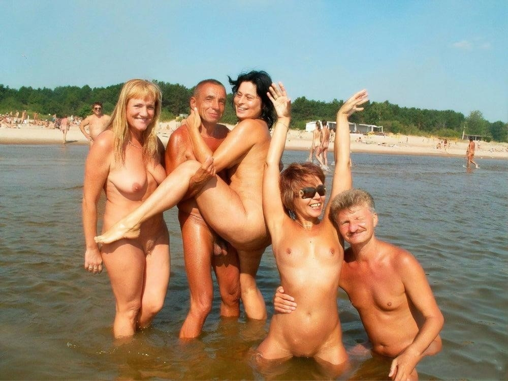 Nude hairy beach pics-1939