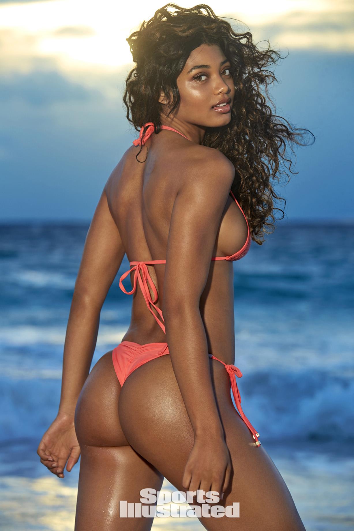 Danielle Herrington / Даниэль Херрингтон в купальниках из новой коллекции Sports Illustrated Swimsuit 2018 issue / in the Bahamas by Ben Watts