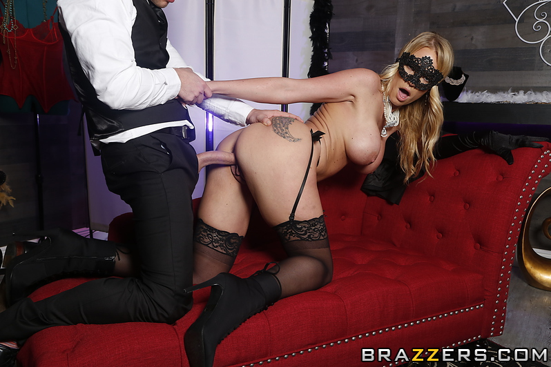 Rachael Cavalli, Van Wylde – Masquerade Ball-Sucking – Baby Got Boobs – Brazzers [HD]