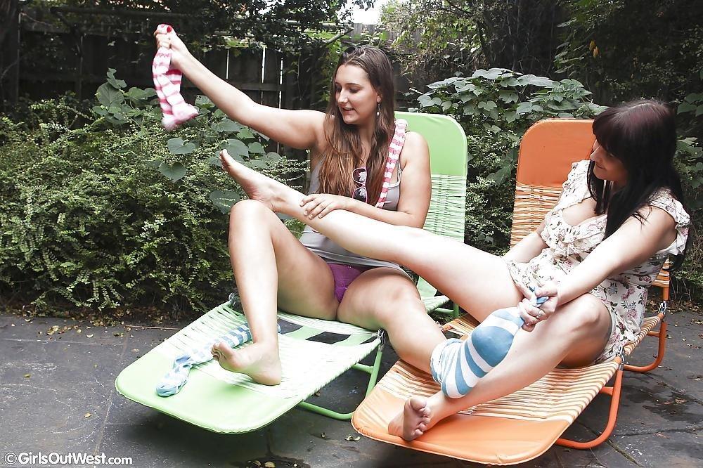 Super hot lesbians making out-9276