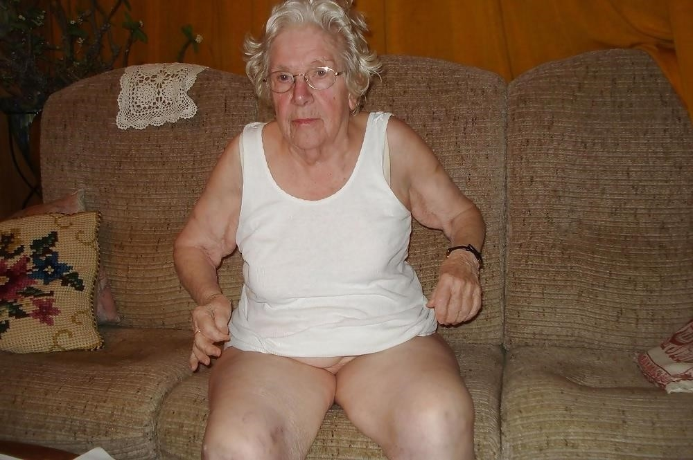 Chubby old granny porn-8037