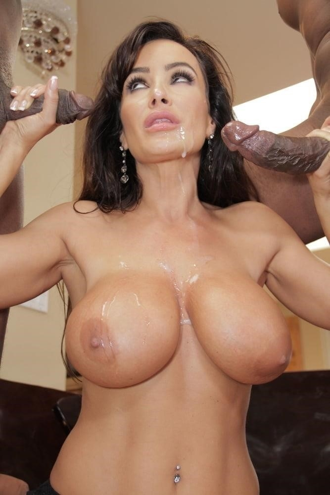 Lisa ann in naughty america-5175