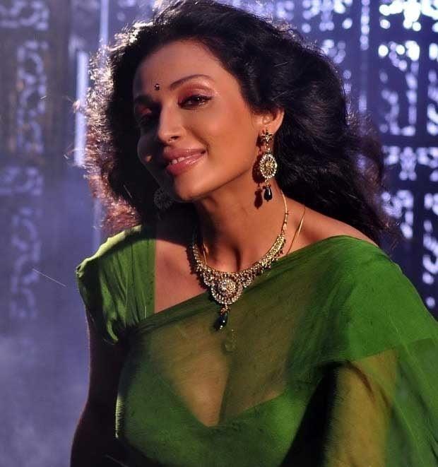 Asha saini hot kiss-2521