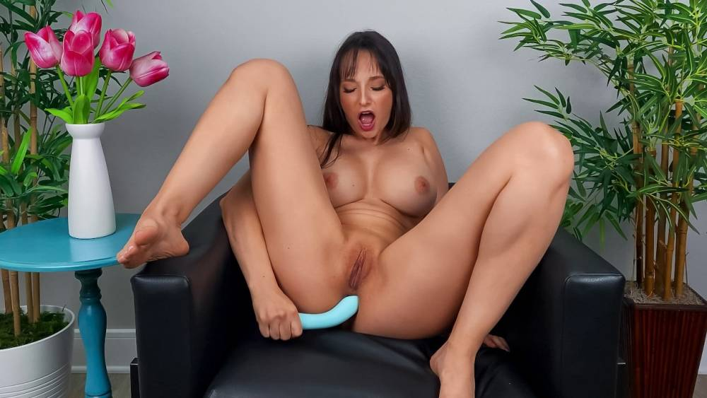 Lexi Luna – Lexi Wants You To Cum Over – Day With A Pornstar – Brazzers