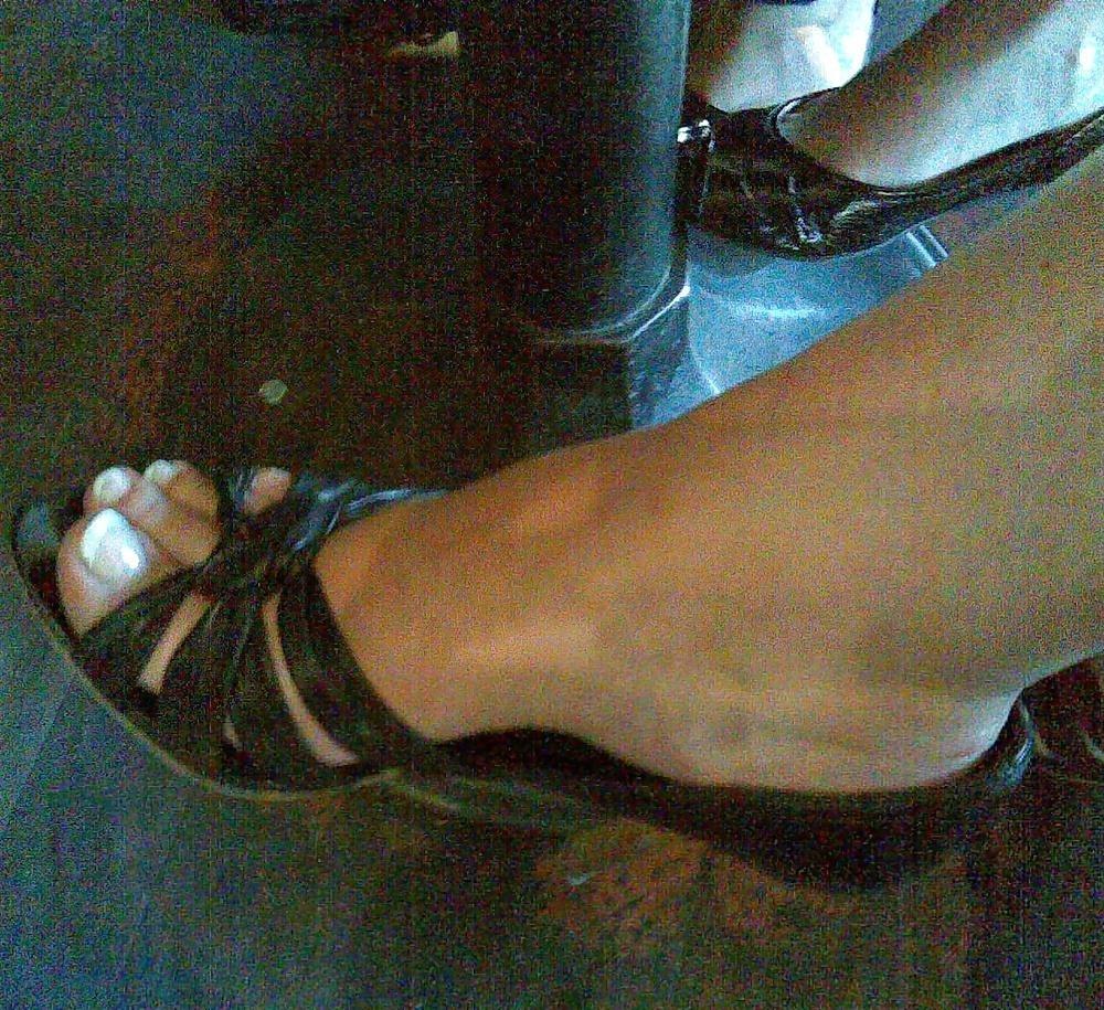 Long toes foot fetish-7692