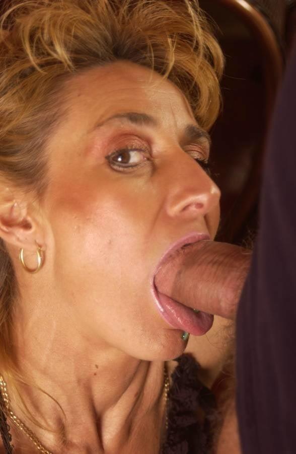 Naked milf blow job-6271