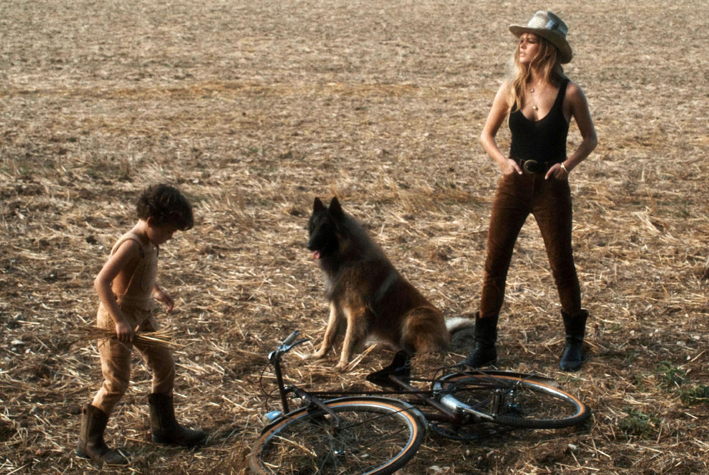 Деревенская идилия / супермодель Анна Юэрс с сыном / фото 12