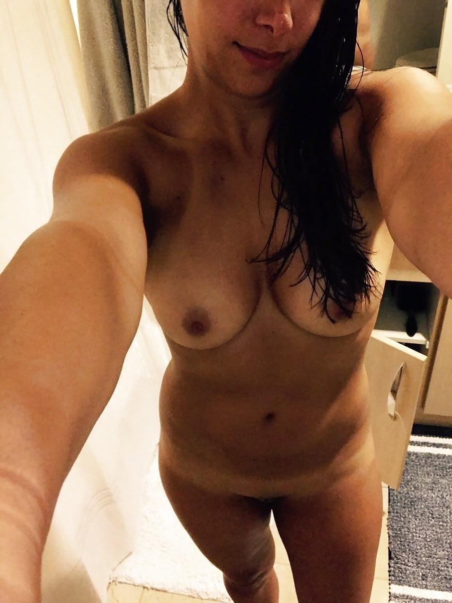 Naked girlfriend selfie-5756