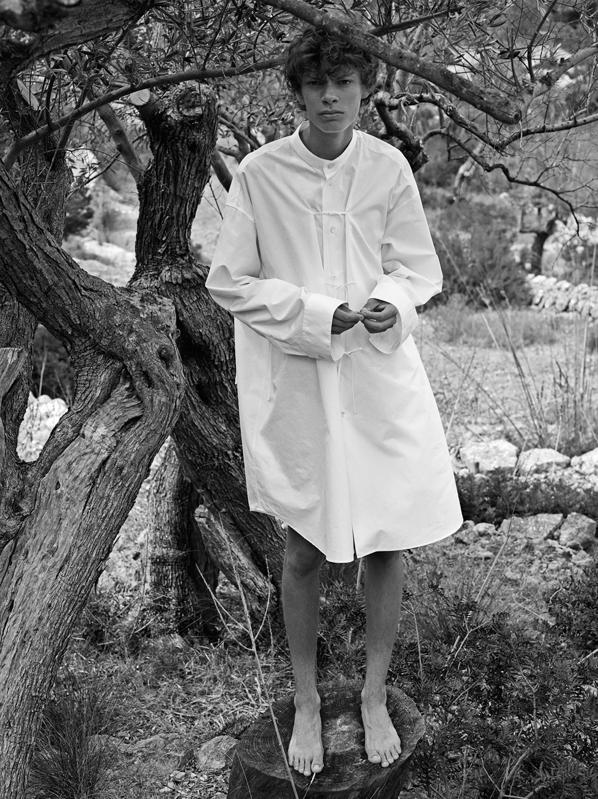 Jil Sander spring/summer 2018 / Jolie Alien and Fisher Smith by Mario Sorrenti - Document Journal FW2017