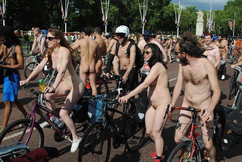 Fat girls nude in public-5641
