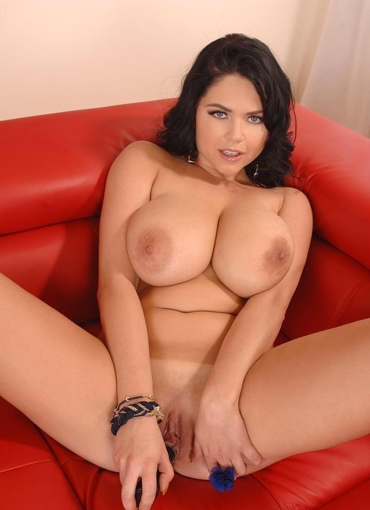 Beautiful big naked boobs-7166