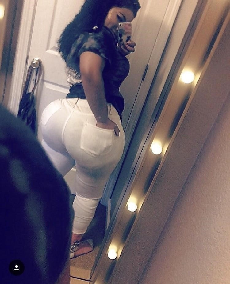 Thick black booty solo-6348