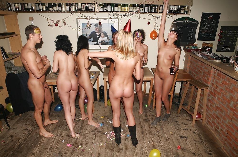 Amateur nude party-5902