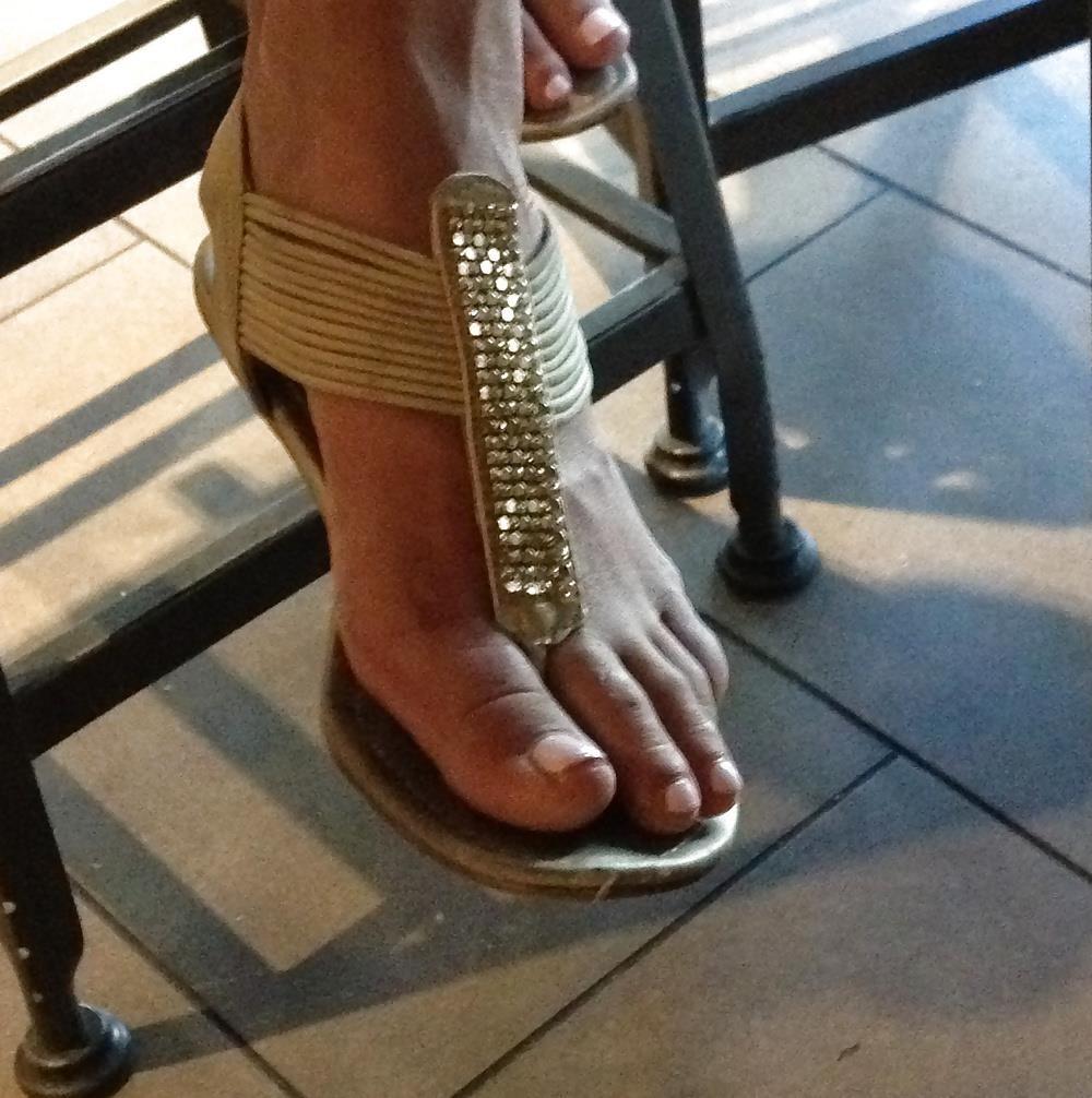 Long toes foot fetish-6056