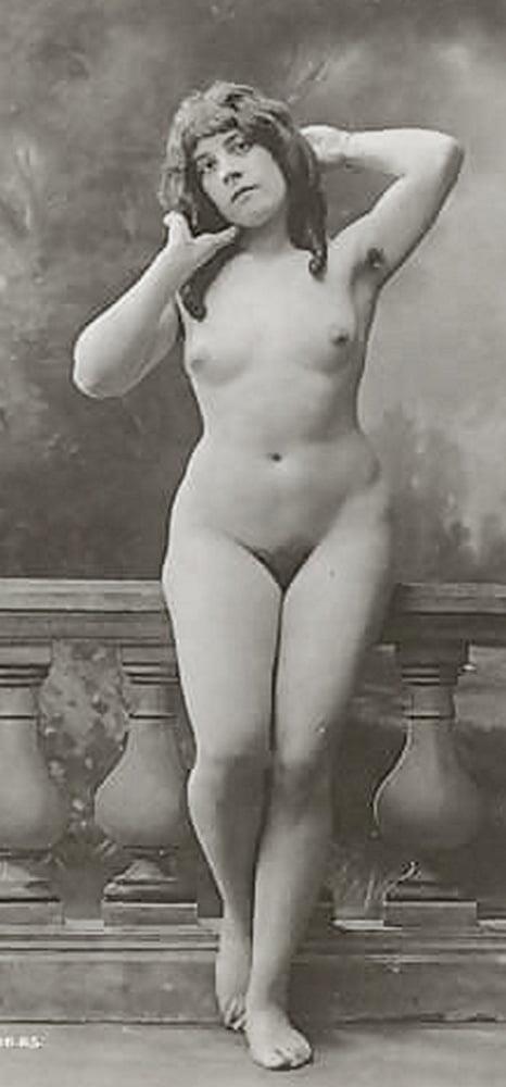 Older nude hairy women-6329