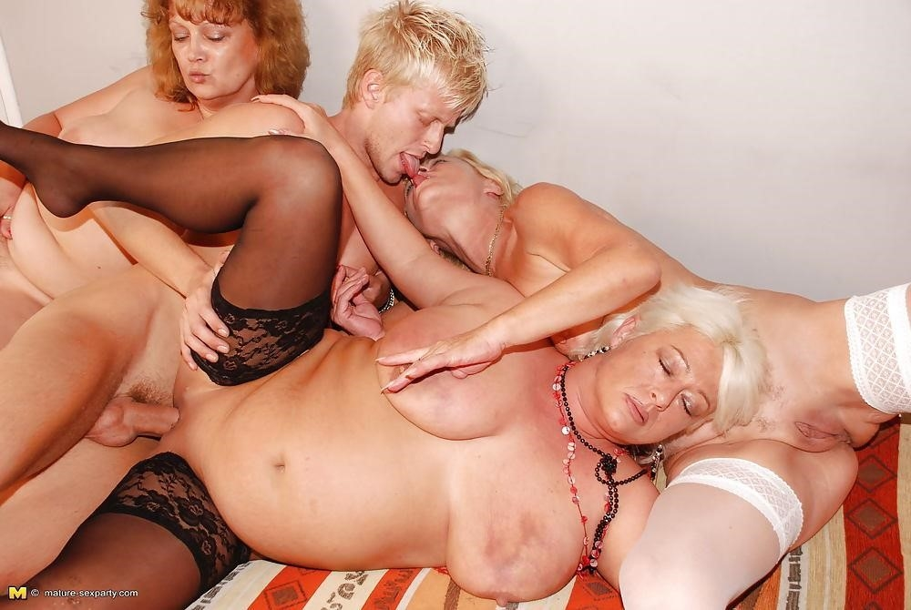 Skinny blonde porn hd-9818