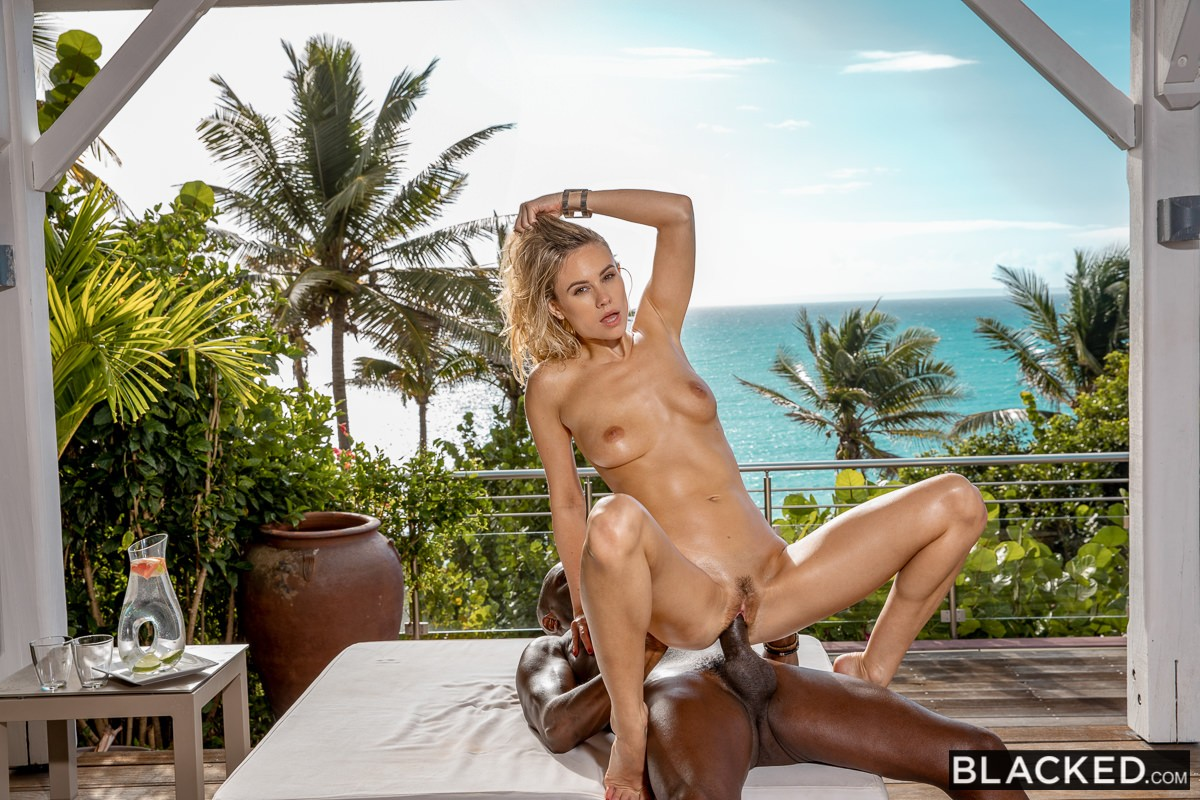 Addie Andrews, Joss Lescaf – I'm Alone – Blacked