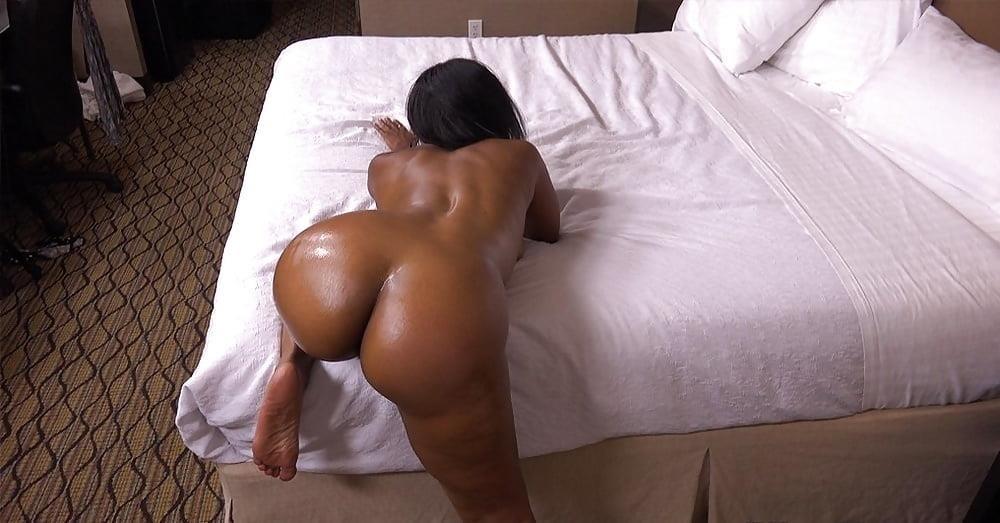 Big black mom booty-3285