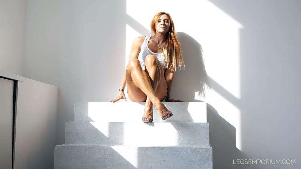 Bodybuilder female clit-9575