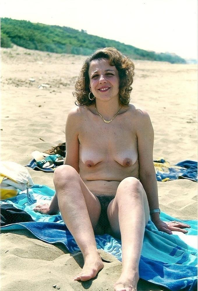 Public beach swinger-2782