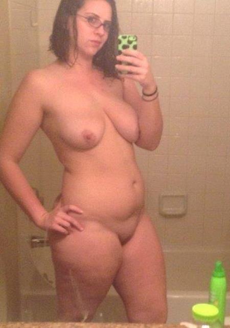 Naked fat girl selfies-8747