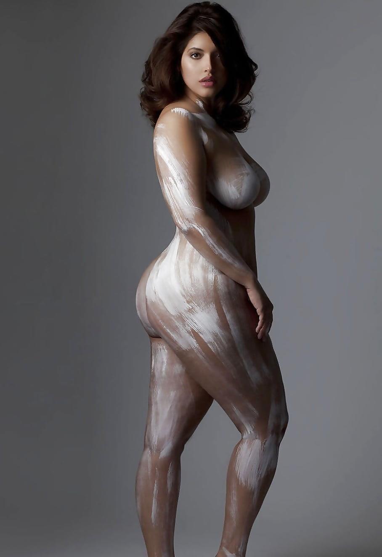 Beautiful voluptuous naked women-7737